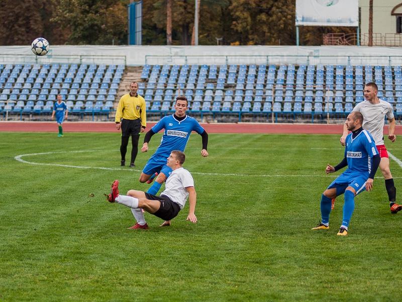 Футболисты КП «Харьковводоканал» уверенно победили команду «Тарх»