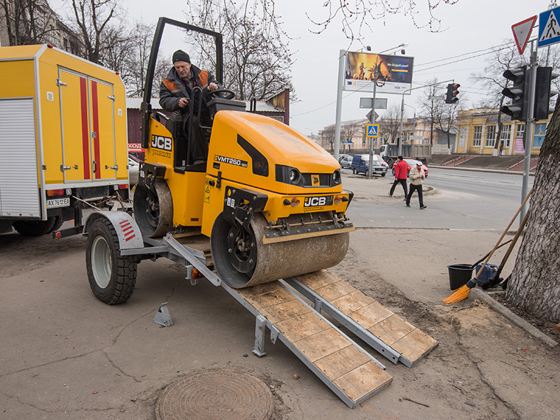 Специалисты КП «Харьковводоканал» благоустраивают места разрытий