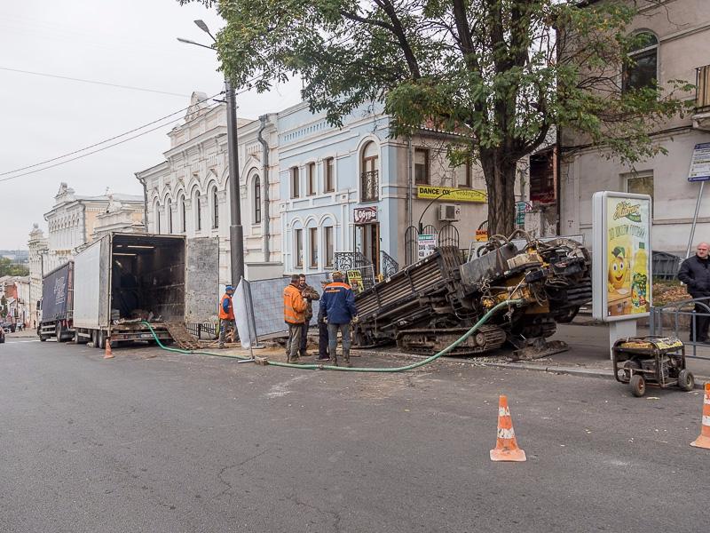 КП «Харьковводоканал» проводит замену водопроводной магистрали по Бурсацкому спуску